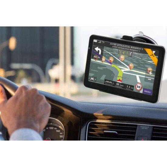 5'' GPS teljes Európa térképpel és autós tartóval